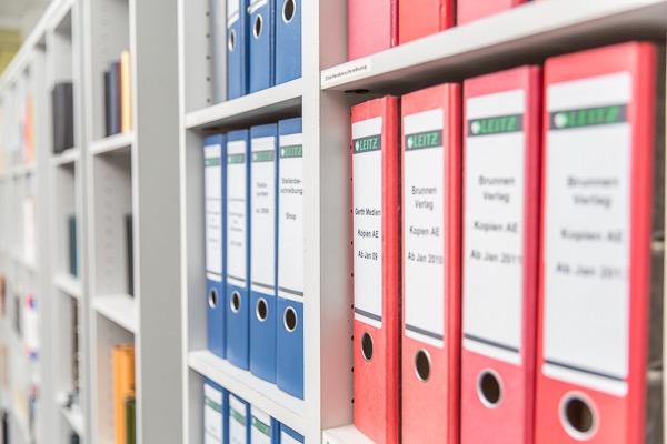 Übersichtliche Lagerung von Unterlagen Selbstmanagement