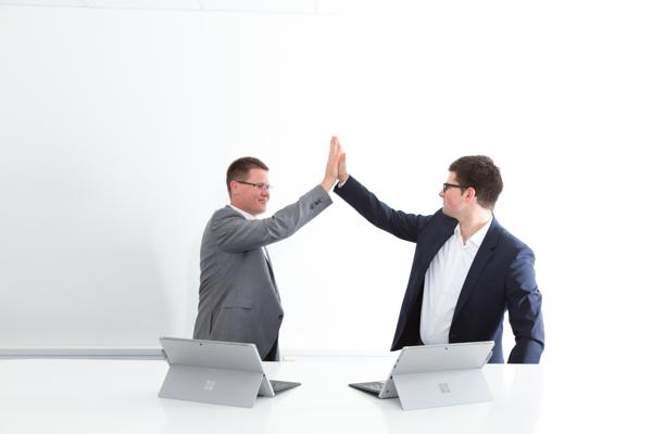Sie können mit E-Mail-Vorlagen arbeiten, damit Sie Ihren Kollegen die Arbeit während der Vertretung erleichtern.