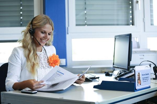 Aufgeraeumter Schreibtisch Teil Buero-Design