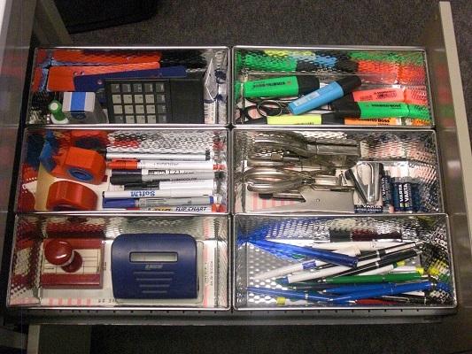 Büroorganisation funktioniert wie die bewährte Besteckschublade – alles hat seinen Platz.