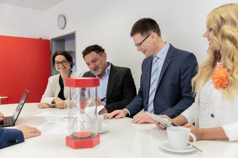 besprechungen-im-stehen-effizienter-ordnerstuktur