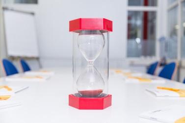 Unter Zeitdruck kommen den Teilnehmern oft die besten Ideen.
