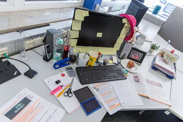 Laaangweilig 5 tipps f r bessere besprechungen b ro kaizen for Einfacher schreibtisch