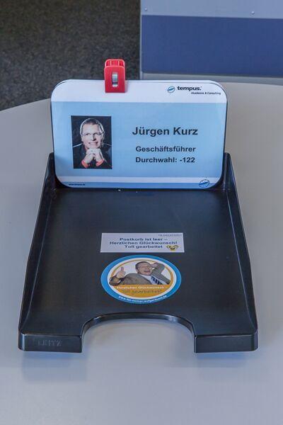 Element neuer Schreibtischordnung Posteingangsschale