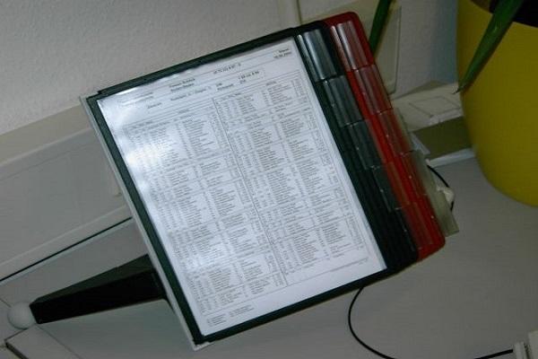 Folienständer statt Foliensichtbuch für Telefonnummern