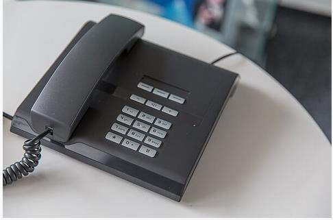 Ist niemand erreichbar, besprechen Sie Ihren AB in der Telefonzentrale.