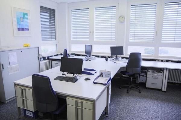 Ziel ist uebersichtliche Schreibtischordnung